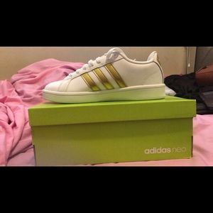 New and Unworn Adidas Neo Cloudfoam white/gold